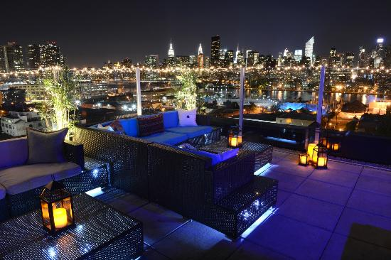 z-rooftop-bar-new-york-hotel-queens