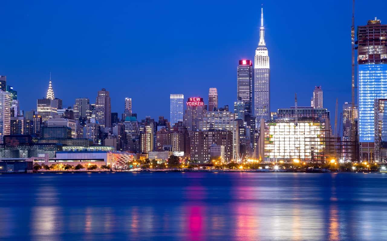NYC skyline - Travel Pocket Guide to New York