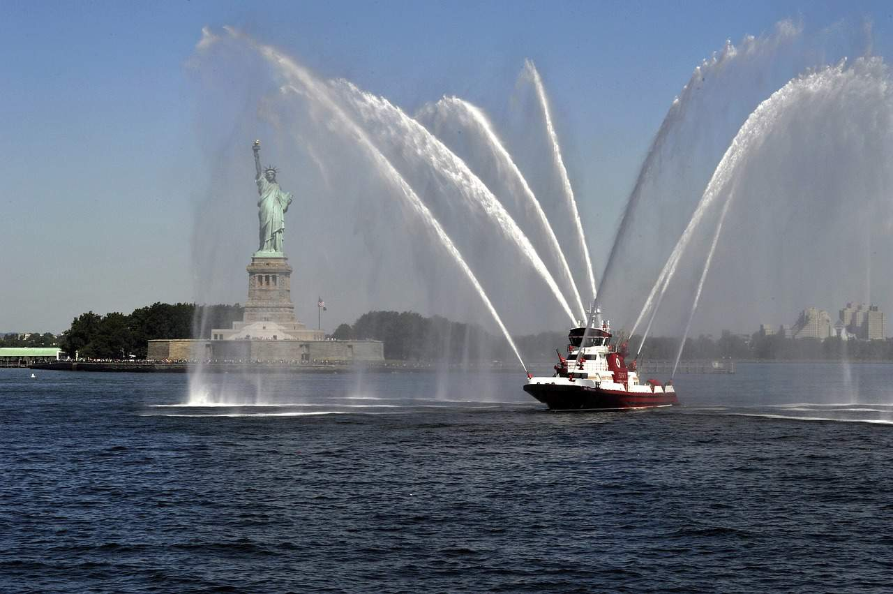 fire-boat-nyc-new-york