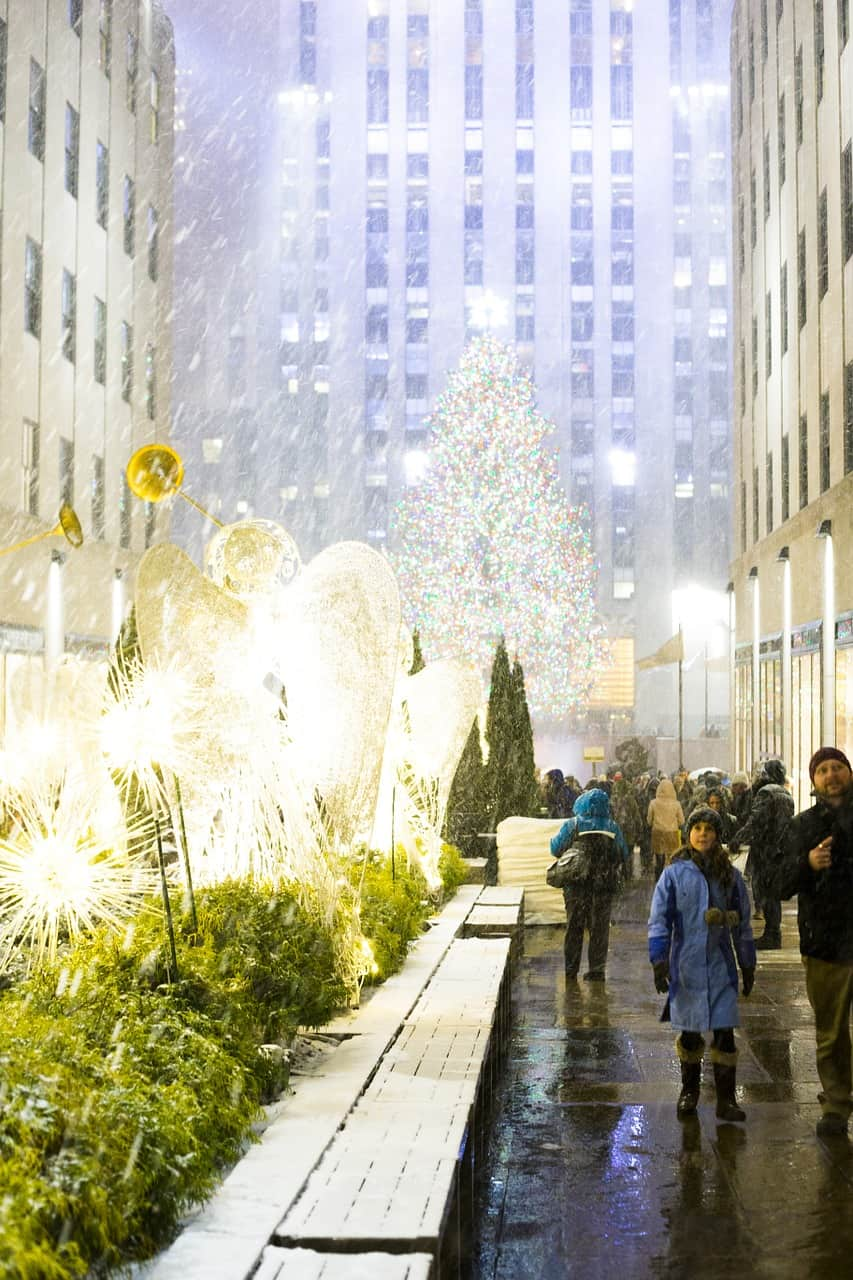 new-york-city-winter-snow-rockefeller center